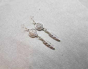 Silver chic feather earring