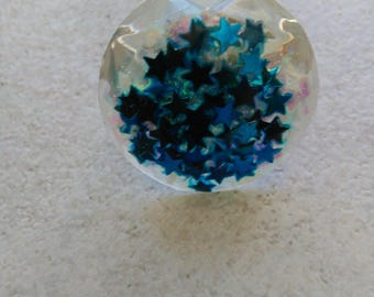 This ring unique molded resin