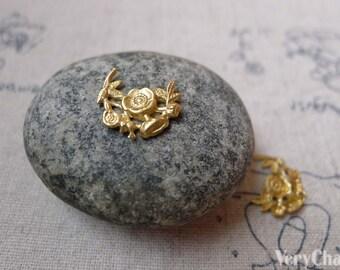 20 pcs of Brass Filigree Flower Embellishments 11x14mm A6080