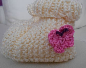 Baby booties knitted hands 6 month cream retro style with butterfly