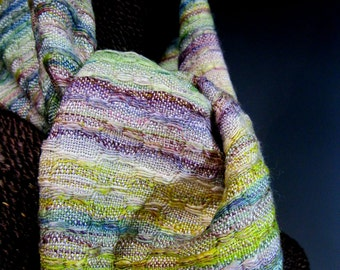 Handwoven Silk and Wool Scarf: Folle