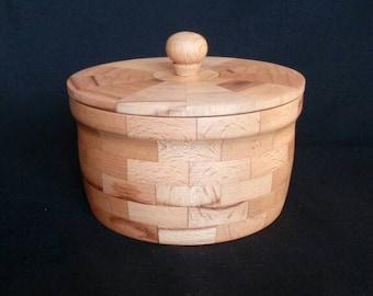 wooden box. Vessel Ring box of beech. homemade. segmented wooden barrel. turned box.