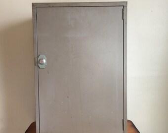 1965 Mid Century Mini-Vault Metal Storage Cabinet / Safe. Mini-Vault Co., New York with Original Paperwork.