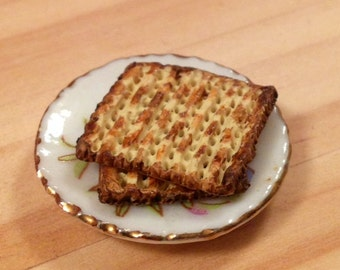 Dollhouse Miniature Food - Miniature Jewish polymer clay Matzah for Passover