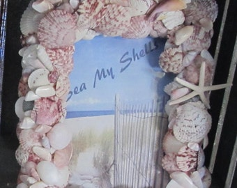 Picture frames customized in sea shells can be designed to your liking by color, texture and depth of sea shells.