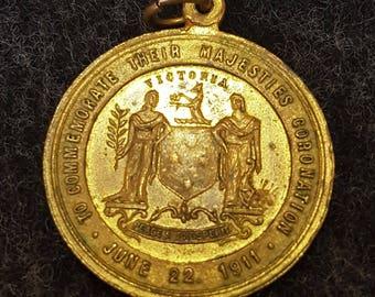 Antique King George V coronation medal/pendant