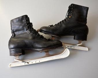 Vintage Ice Skates KONKON Marathon / Studded leather sole