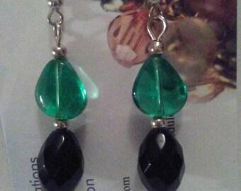 Beaded earrings, drop earrings, dangle earrings, green and black crystal earringa