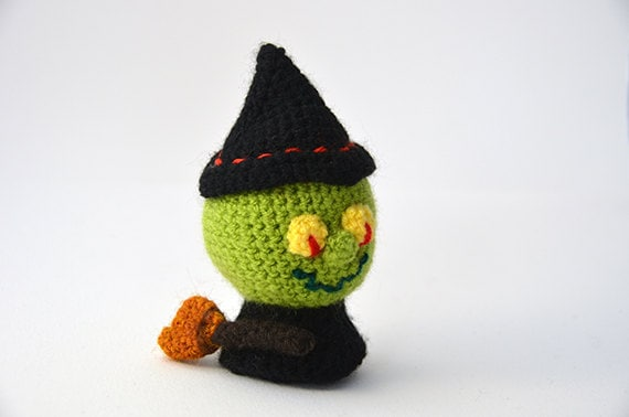 Halloween Amigurumi Crochet Pattern : Witch crochet pattern amigurumi witch pattern witch