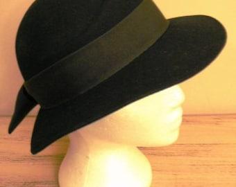 sale 20% off all vintage hats ... NAVY Doeskin BOW Back WOOL Hat lovely Vintage ...