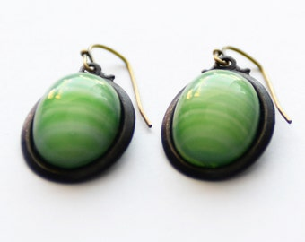 Green and White Striped Glass Earrings, Green Earrings, Minimalist Earrings, Black Brass Earrings, Czech Glass Earrings, Givre Glass, SRAJD