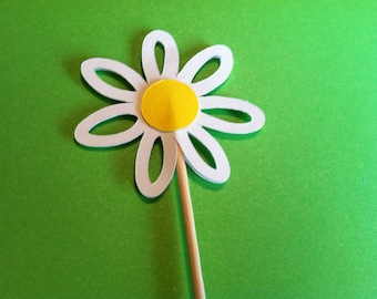 12   White Daisy toppers, flower toppers, daisy flower cupcake toppers no2