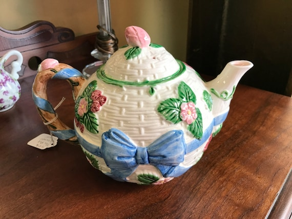 Floral teapot haldon group