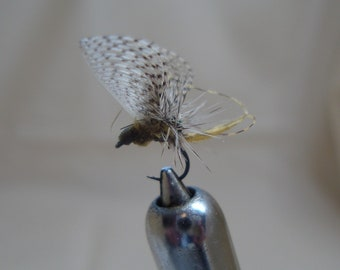 6 PMD Wally Wing Paraloop Hatch Master Fly Fishing Flies, Size 16.  PMD Wally Wing Para Loop,   Fly Fishing Flies, Wally Wing Flies