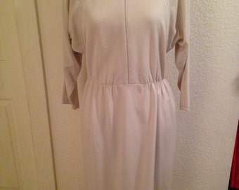 Vintage Willi of California 1960s cream dress with batwing sleeves