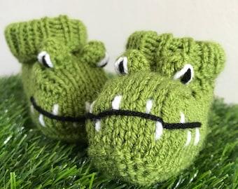 Crocodile knitted baby booties alligator knitted socks handmade unisex baby girl baby boy baby gift knitted boots knitted animal booties