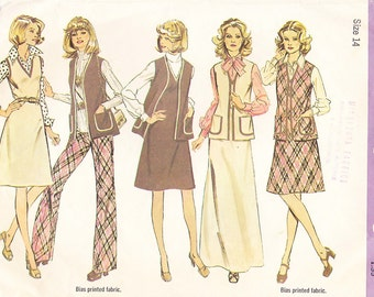 1974 Mini and Maxi Jumper, Vest and Wide Leg Pants Vintage Pattern, Simplicity 6526, Fold Over Braid Trim, Patch Pockets