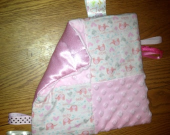 Sensory blankie with labels