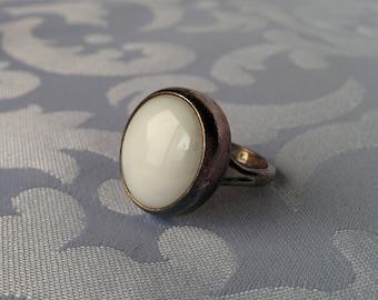 Vintage Taxco Sterling Ring Sz 6.75, Milk Glass Cabochon Sterling Silver Taxco Ring, Vintage Taxco Ring