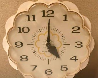 General electric vintage kitchen clock, 1970s.