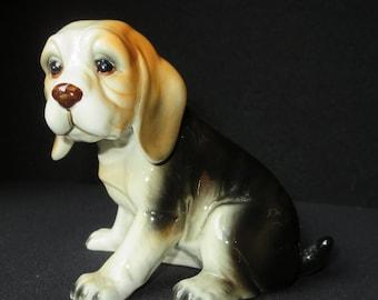 Excellent Ceramic Beagle Dog Figurine Statue by Royal Crown 1985 Arnart Korea with original label