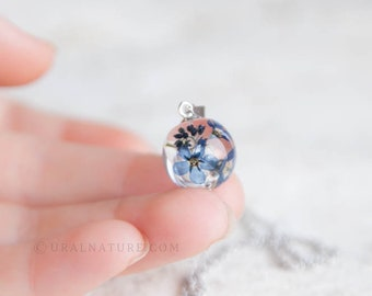 Forget-me-not Flowers ⇷13mm⇸ resin necklace   gift for mom birthday    sister gift idea    real flowers jewelry
