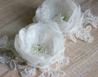 Wedding ivory hair flowers Set of 2 hair flowers Ivory lace flower Bridal hair flower Ivory headpiece 3 inch ivory flower Lace flower clips