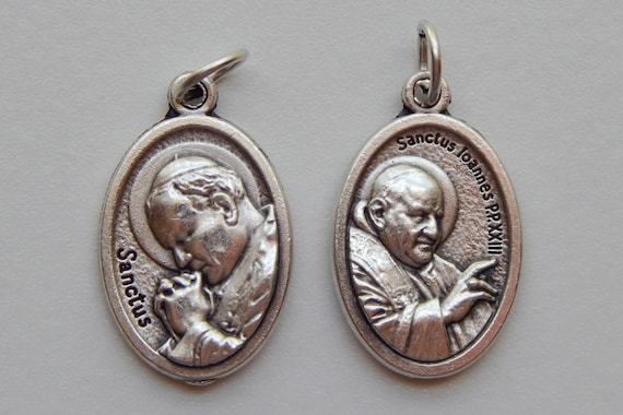 5 Patron Saint Medal Findings, Pope John Paul II, Die Cast Silverplate, Silver Color, Oxidized Metal, Made in Italy, Charm, Drop