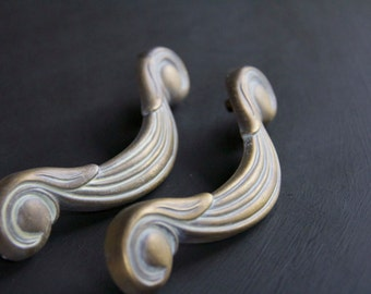 Vintage White Wash Decorative Drawer Pulls Set of 2