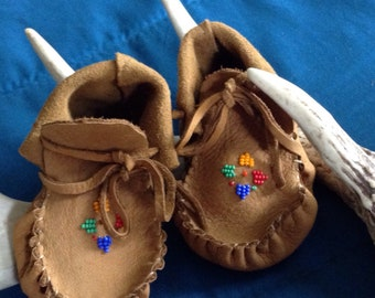 Mienko's Moccasins, Mienkosmoccs, baby moccasins, leather moccasins, deerskin moccasins, baby mocs, moccs, first year baby present, shoes
