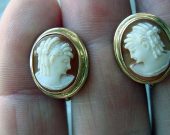 Vintage Shell Cameo Earrings Screw Back HSB 14K Harry S Bick Delicate Mid Century Small Oval Cameos