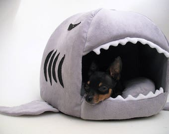 Small Dog Shark Bed, Cat Bed, Dog nest bed, Chihuahua Yorkie Novelty dog bed