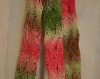 Scarf with wave pattern in many colors