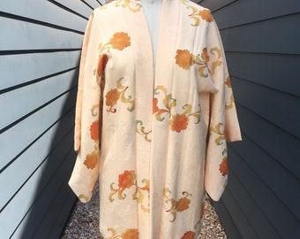 Vintage Japanese Silk Kimono // Vintage Kimono // Vintage Japanese Kimono // Silk Kimono // Floral Kimono