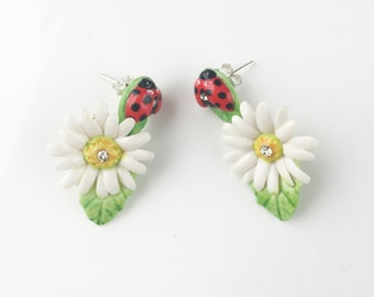 Porcelain Ladybird and White Daisy drop earring/ earrings/ flower jewellery/ porcelain earrings/ flower earrings/ Daisy Earrings/ Ladybird