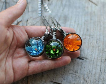 glass sphere, terrarium jewelry, summer trends, One necklace auction floral design, bohemian jewelry, colorful necklace, statement pendant