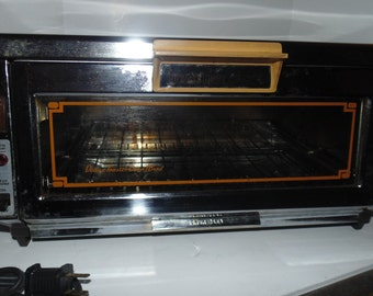 VINTAGE Sears Roebuck Electric Deluxe Toaster Oven broiler