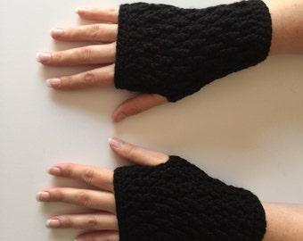 Crochet Fingerless Gloves   Black   iGlove v1.0