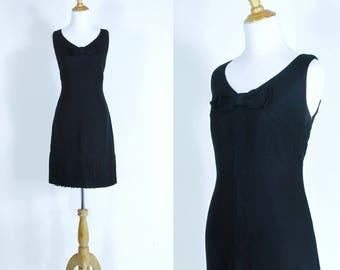 Vintage 1960s Dress   60 Little Black Wiggle Dress with Bow and Fringe   Medium M