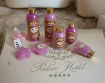 Set of bath of narcissus, violet or pink