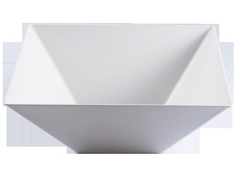 Kaya Collection - Plastic Square Serving Bowls 128oz - Disposable or Reusable