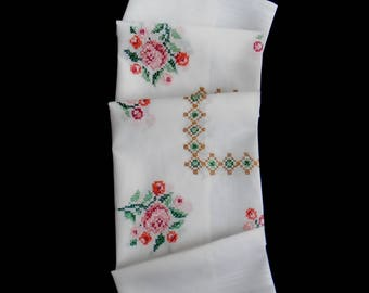 Vintage cross-stitched tablecloth or table topper -- white topper with hand-cross-stitched flower bouquets -- 30.5x30 inches / 77.5x76 cm