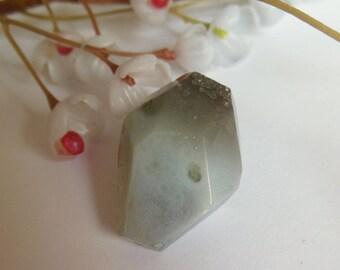 pretty grey gemstone bead