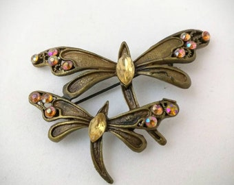 Sisters in flight - beautiful butterflies brooch - Vintage
