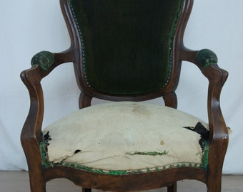 19th Century Walnut Wood Armchair to reupholster