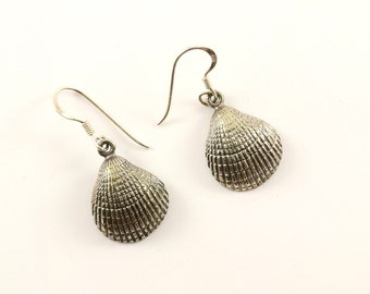 Vintage Sea Shell Design Dangling Earrings Sterling Silver ER 1103