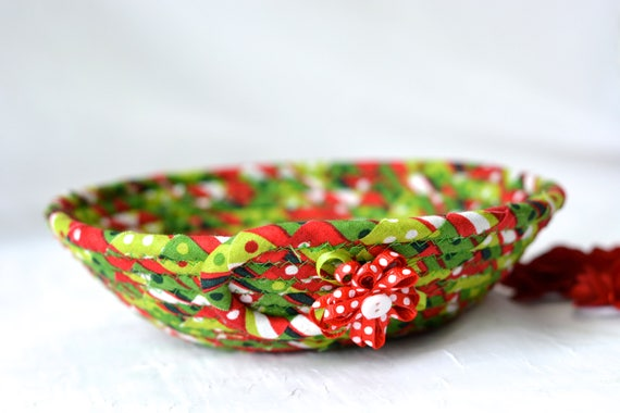 Christmas Decoration, Holiday Candy Dish, Handmade Christmas Basket, Artisan Coiled Bowl, Quilted Clothesline Rope Basket