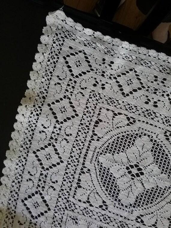 Vintage Crochet Lace Tablecloth, Beige Crochet Lace Tablecloth, Crochet Lace Tablecloth, Vintage Crochet Linen,  Retro Crochet Lace Linen