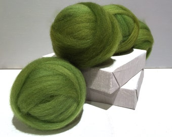 Green Clover wool roving, Spinning Fiber, Needle Felting wool, spring apple green, variegated yellow green roving