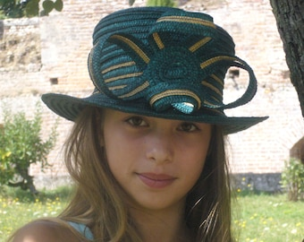 straw hat, colors dark green and natural